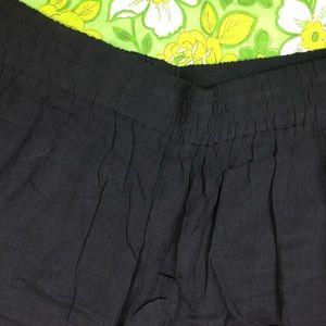 Maggie McNaughton Shorts - NWT Maggie McNaughton Black Crinkle Shorts Size 20